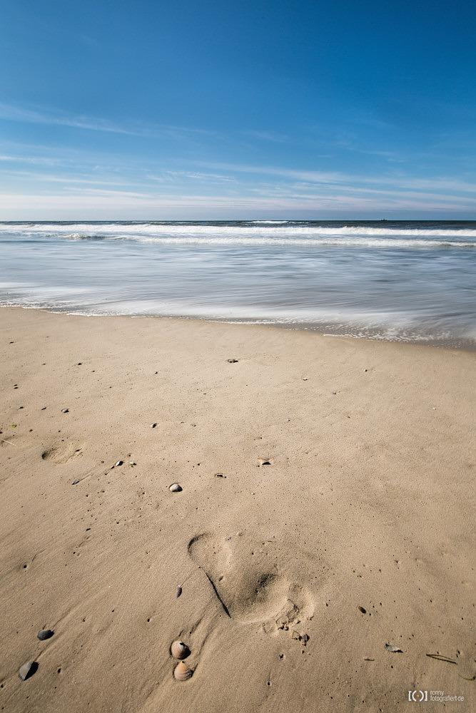 Foto Fußabdruck im Strand von Langeoog von Ronny Walter