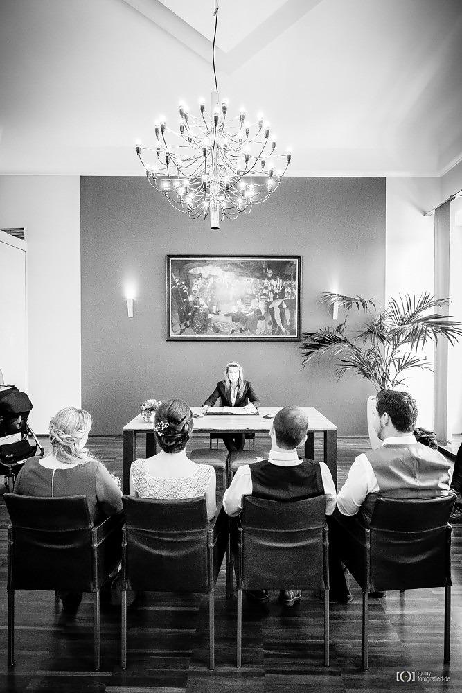 Foto Trauung im Standesamt Oldenburg von Ronny Walter