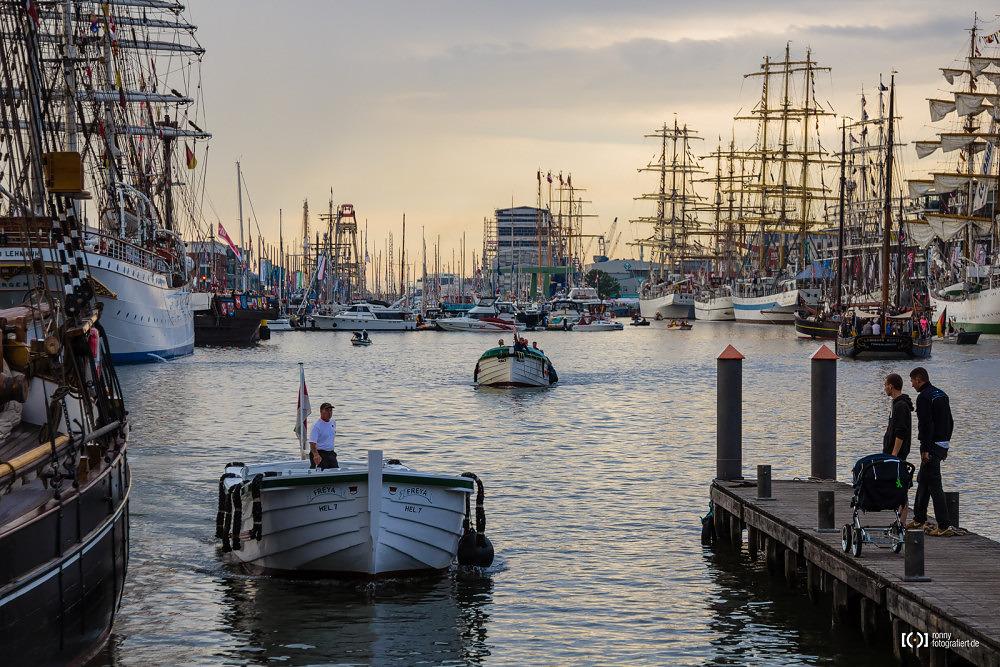 Foto Börteboote aus Helgoland auf der Sail 2015 Bremerhaven von Ronny Walter