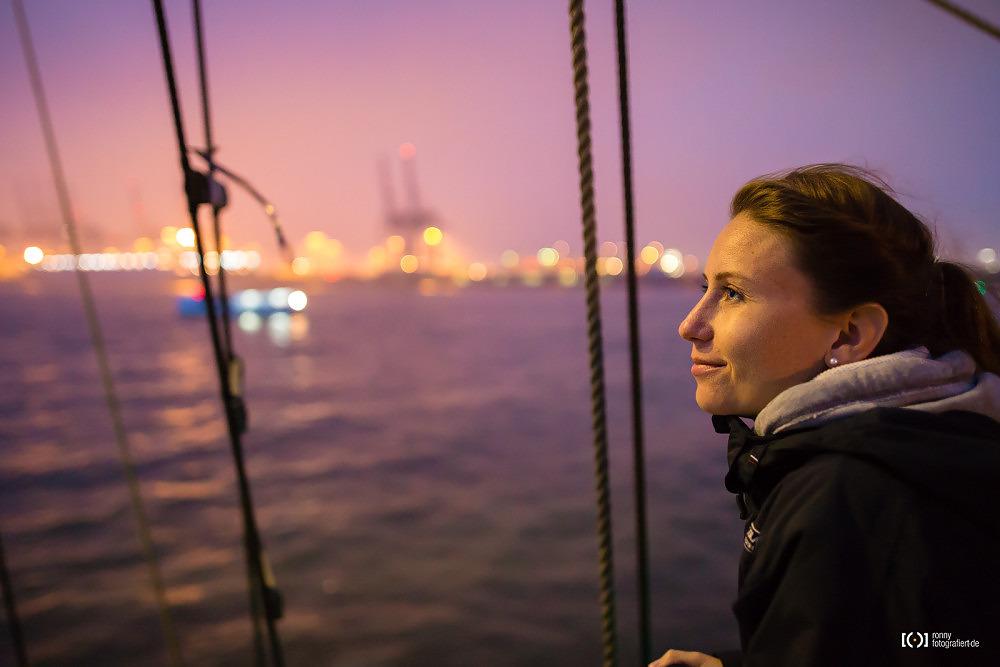 Foto Container Terminals Bremerhaven im Nebel von Ronny Walter