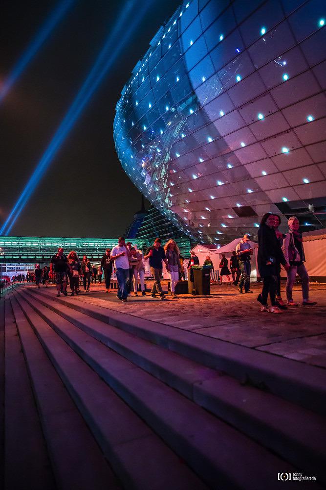 Foto Klimahaus bei der Sail 2015 Bremerhaven bei Nacht von Ronny Walter