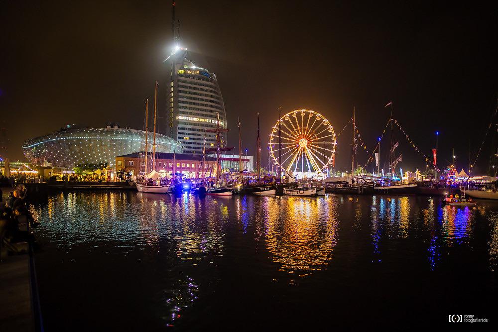 Foto Klimahaus, Atlantic Hotel und Riesenrad bei der Sail 2015 Bremer von Ronny Walter