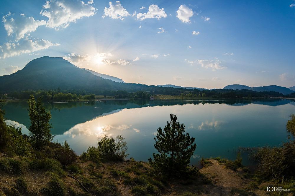 Foto Sonnenaufgang am Lac du Riou von Ronny Walter