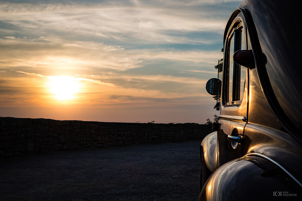Foto Sonnenuntergang in Ménerbes von Ronny Walter