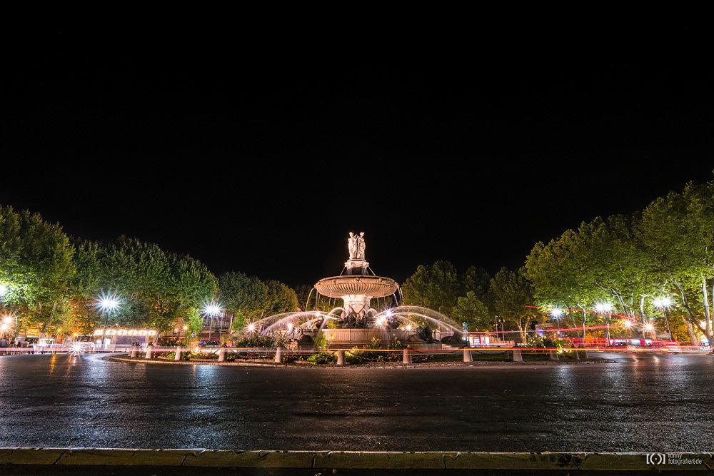 Foto Brunnen auf der Place de la Rotonde von Ronny Walter