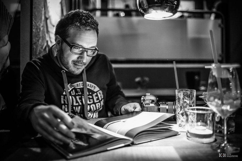 """Foto Beeindruckt von """"Our World Tour"""" von Mario Dirks von Fotograf Thomas Weber aus Oldenburg: Fototalk mit dem Fotografen Ronny Walter aus Oldenburg"""