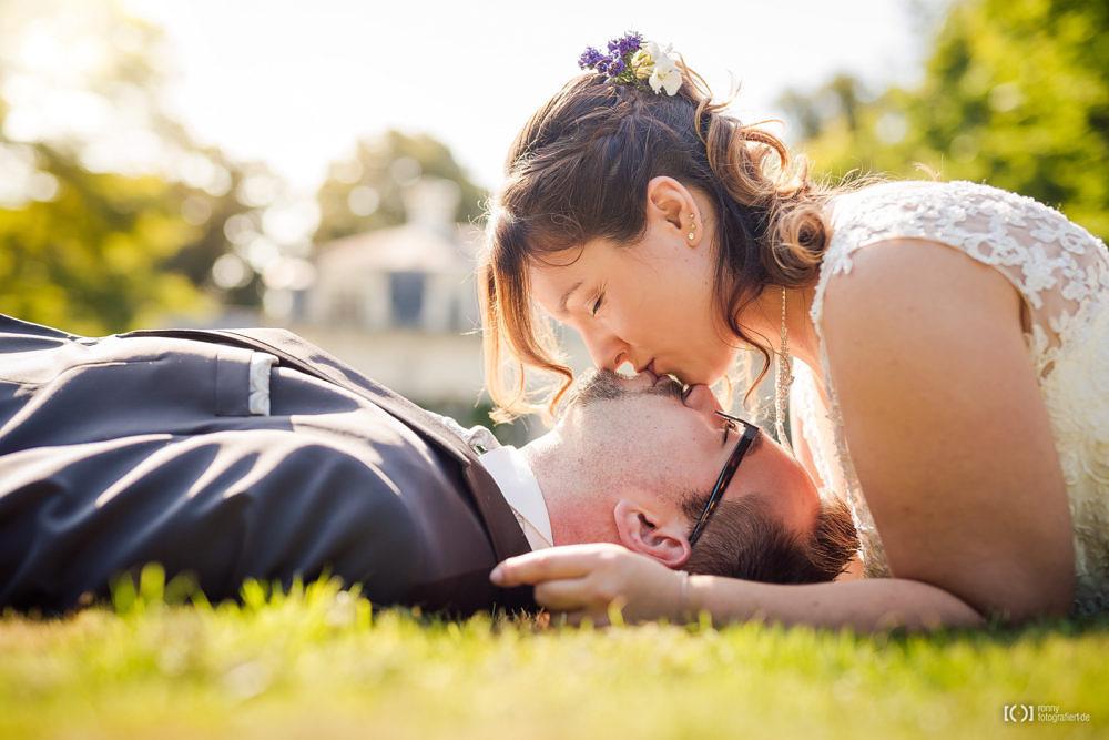 Foto Hochzeitsfotos beim Schloss Rastede von Ronny Walter