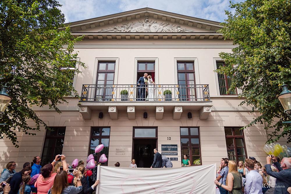 Foto Hochzeitsfotos mit Balkon des Standesamtes Oldenburg von Ronny Walter