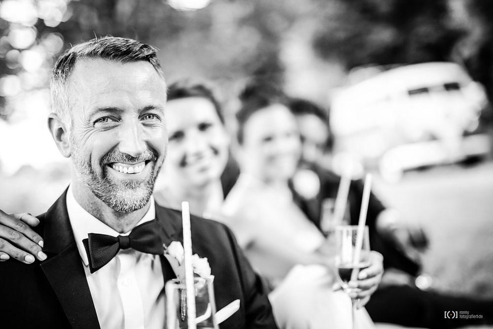 Foto Hochzeitsfotos Portraits mit Picknick von Ronny Walter