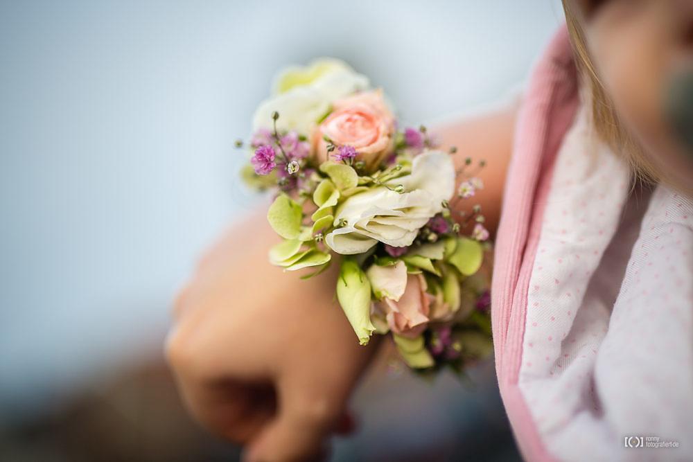 Foto Braut mit Blumenschmuck von Ronny Walter